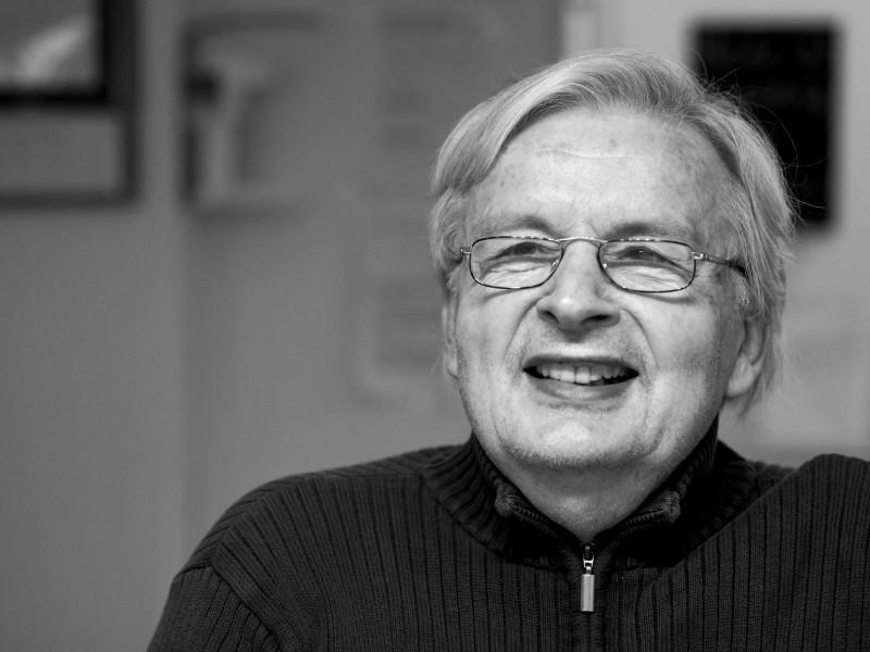 Porträtfoto von Peter, dem Bewohner einer Demenz-Wohngemeinschaft in Dortmund