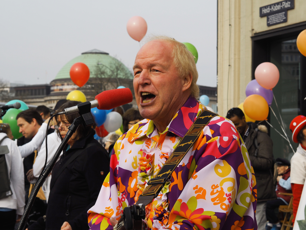Musik und gute Stimmung bei der Konfetti-Parade 2017 in Hamburg
