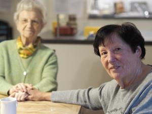 Reportage aus der Demenz-WG: Leben in Gemeinschaft: Diese Bewohnerinnen der Villa Lioba sind füreinander da