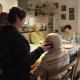 Reportage aus der Demenz-WG: Die Bewohner der Villa Lioba in Dortmund sitzen gemeinsam am Tisch