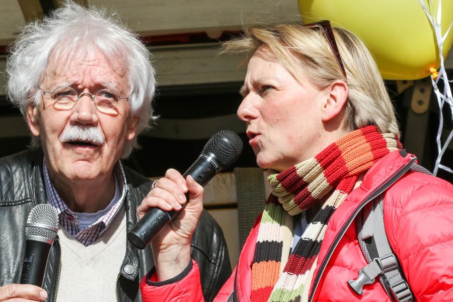 Doris Kreinhöfer und der Moderator Carlo von Tiedemann setze sich für eine demenzfreundliche Gesellschaft ein