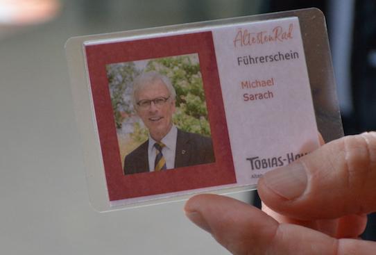 Rikscha-Füherschein: Ahrensburgs Bügermeister Michael Sarach