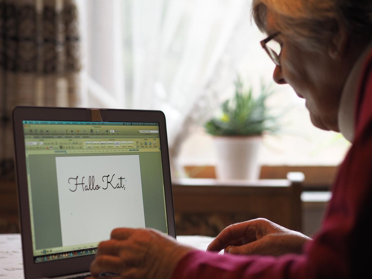 kontakt altenpflege-blog senioren pflegekraefte angehoerige