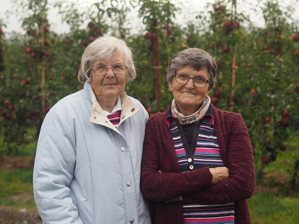 Meine Oma (links) und ihre Schwester