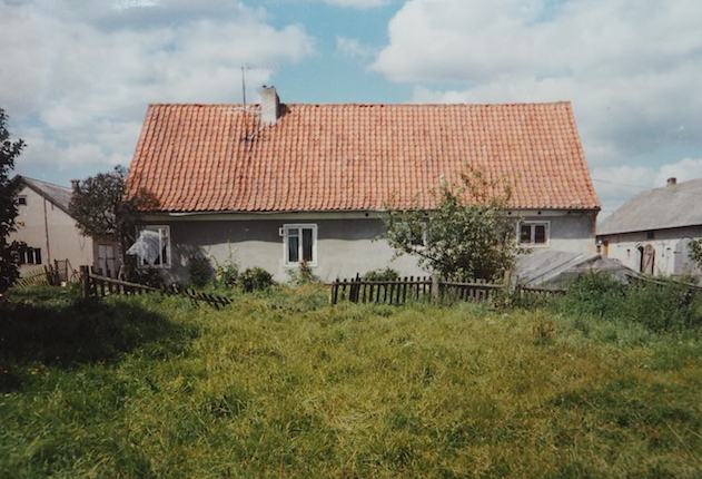 Das Elternhaus meiner Oma im heutigen Długosze