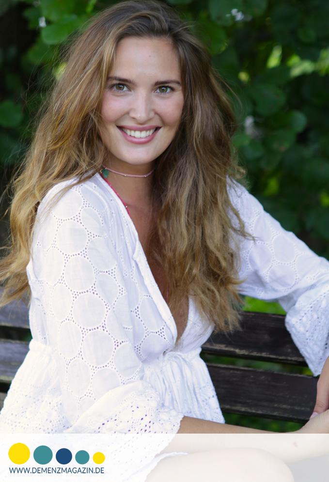 Joelle Wörtche produziert für Demenzmagazin.de Aufklärungsvideos über Demenz