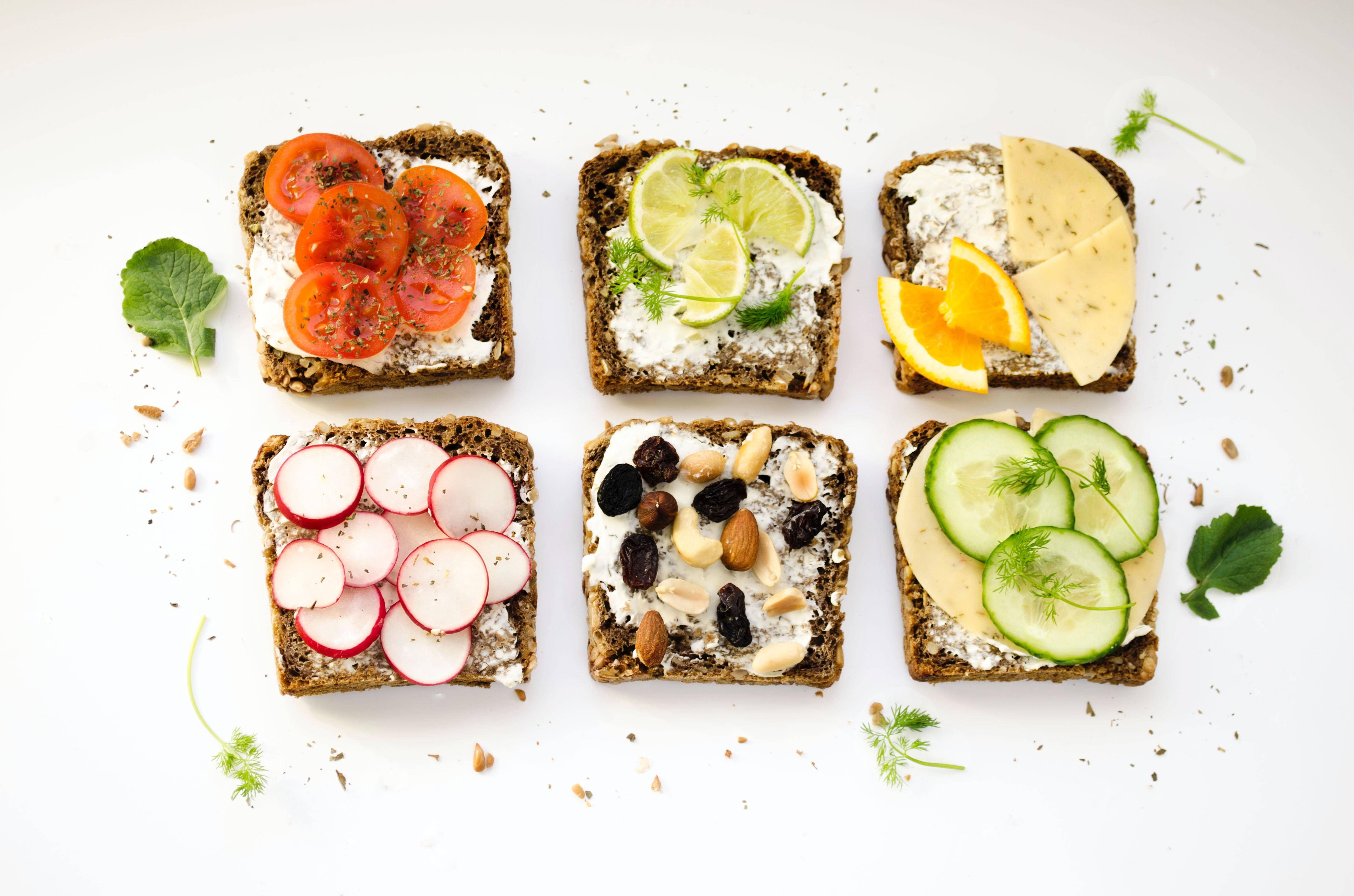 Ernährung im Pflegeheim: Für jeden was dabei: Wer die Wahl hat, empfindet mehr Genuss (Foto: Ola Mishchenko/Unsplash)
